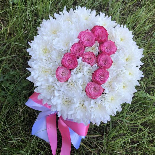 Шляпная коробка с буквой: букеты цветов на заказ Flowwow