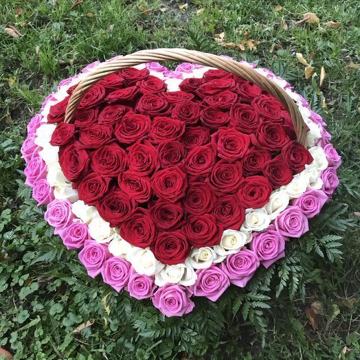 Корзина из 151 розы «Сердце»: букеты цветов на заказ Flowwow