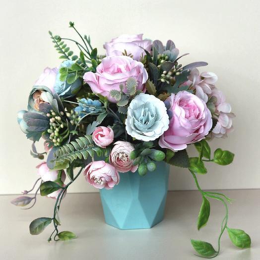 Композиция из искусственных цветов 400675: букеты цветов на заказ Flowwow