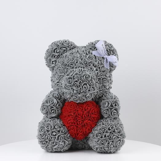 Мишка из роз серый с красным цветом 35 см: букеты цветов на заказ Flowwow