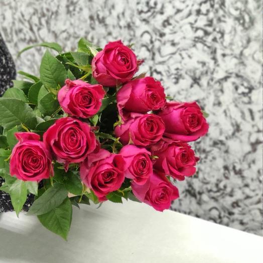 Букет из 11 малиновых роз