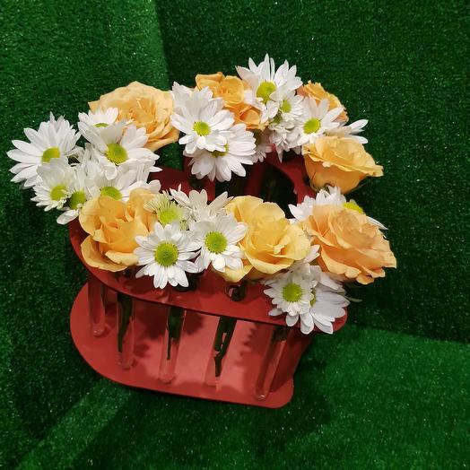 Бокс с колбами СЕРДЦЕ: букеты цветов на заказ Flowwow