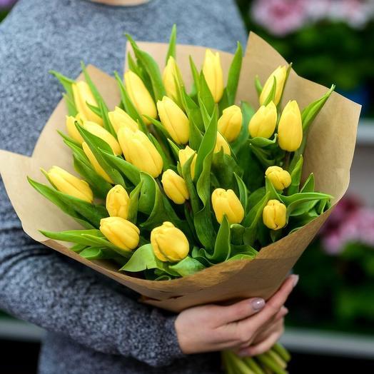 25 желтых тюльпанов