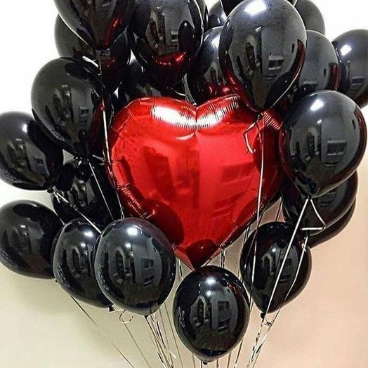 Фонтан из 21  воздушных шаров с гелием.Любовь