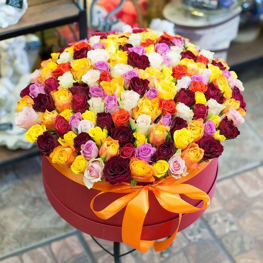 Шляпная коробка с розами (151 роза)