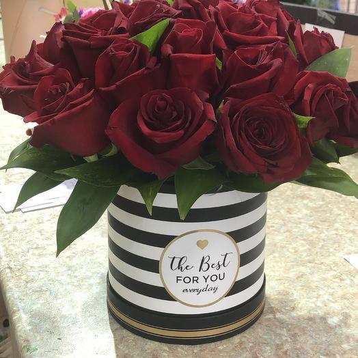 Розы в оригинальной коорбке