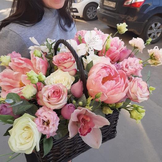 """Цветы в корзине """"Весна в сердце !"""""""