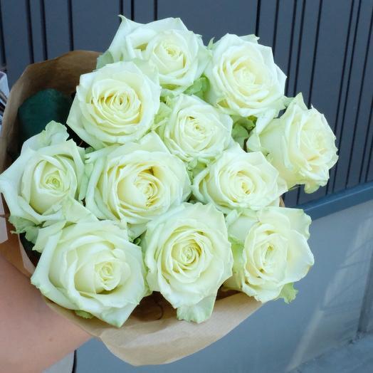 11 White roses 60cm in kraft paper
