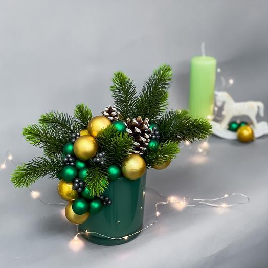 Рождественское кашпо