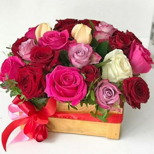 """Цветы в коробке микс """"на радость"""""""