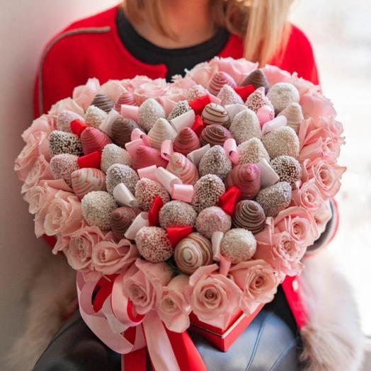 Premium heart strawberry