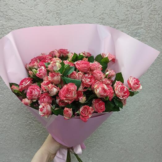 Букет Кустовых красивых роз