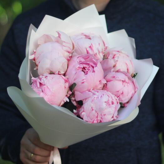 7 ароматных розовых пионов