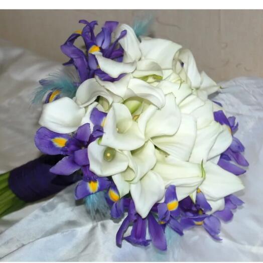 Букет ирисов для невесты