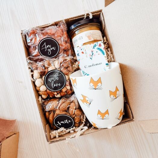 Подарочный набор девушке маме жене с орехами