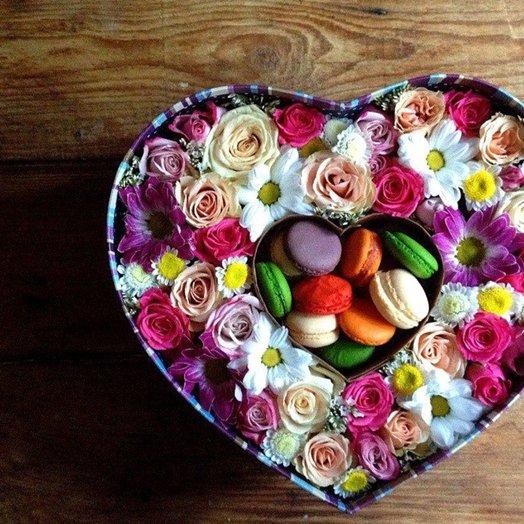 Коробочка Сердца двух: букеты цветов на заказ Flowwow