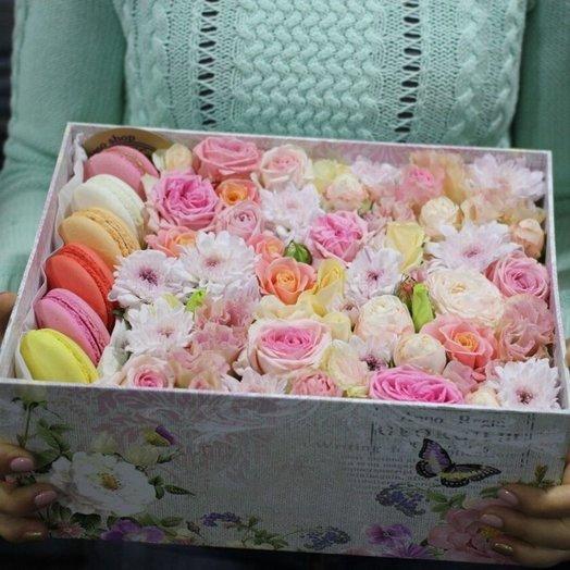 Коробочка с макаруни: букеты цветов на заказ Flowwow
