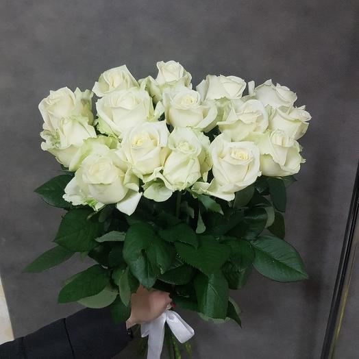 Белые розы 19шт: букеты цветов на заказ Flowwow