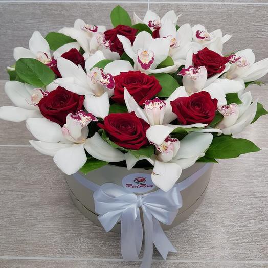 Орхидеи с розами в шляпной коробке XL