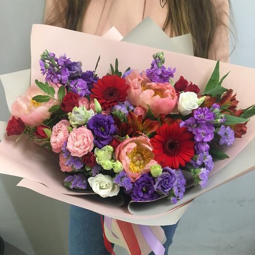 Коралловый сонет: букеты цветов на заказ Flowwow