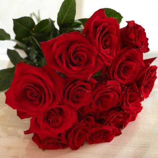 Букет из 15 красных роз: букеты цветов на заказ Flowwow