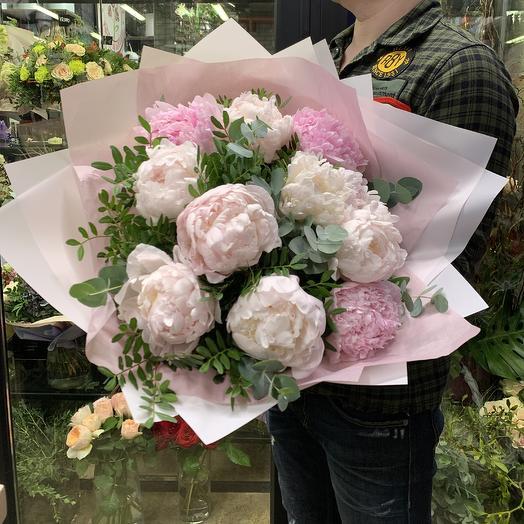 Нежное облако ароматных пионов: букеты цветов на заказ Flowwow