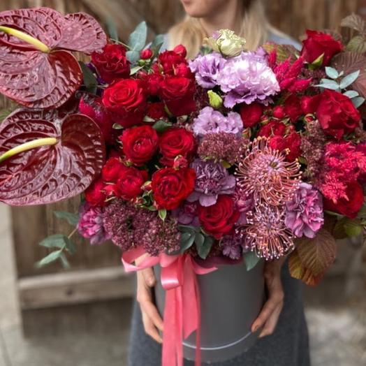 Коробка Красная птица: букеты цветов на заказ Flowwow
