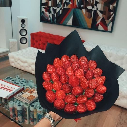 """Клубничный букет """"Рейд"""": букеты цветов на заказ Flowwow"""