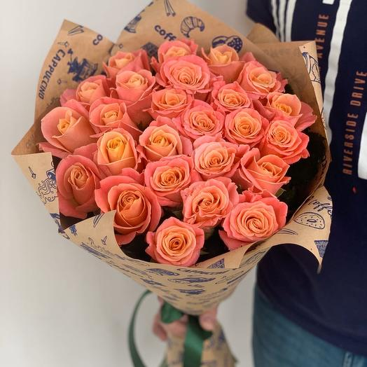 25 персиковых роз (60см)
