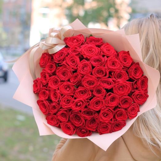 51 бархатная красная роза