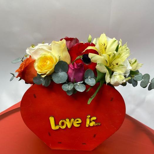 Ящик Love is