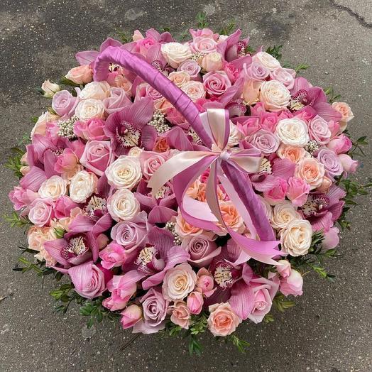 Корзина с цветами «Любовь»