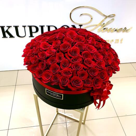 Шляпная коробка на 101 розу