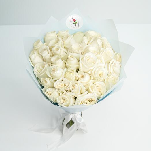 Букет 35 роз белых