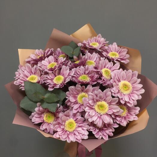 Букет лиловых хризантем