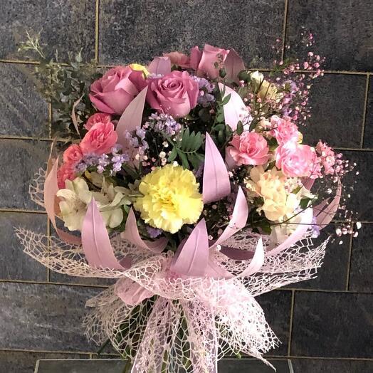Букет с фиолетовой розой Маритим