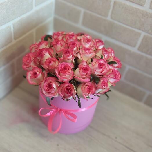 Роза джумилия в коробке