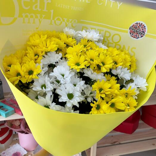 Желтый букет из хризантемы