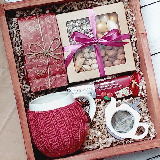 Подарочный набор с кружкой в вязаном чехле