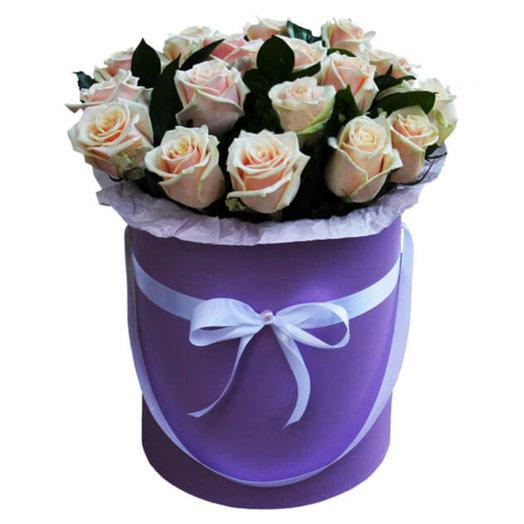 51 Роз в шляпной коробке Идиллия: букеты цветов на заказ Flowwow