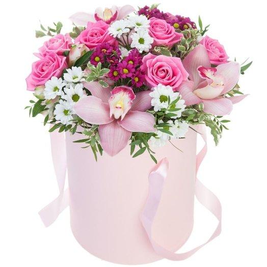 Цветы в коробке Нежность: букеты цветов на заказ Flowwow