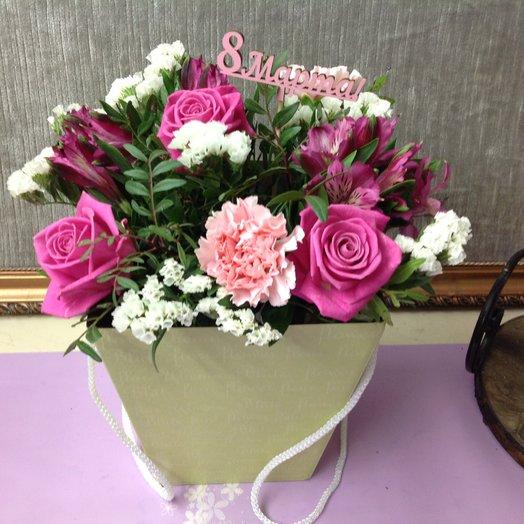 8 марта на пороге: букеты цветов на заказ Flowwow