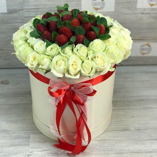 Коробки с цветами. Роза белая. Клубника. Мята.  N86: букеты цветов на заказ Flowwow