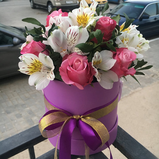 Шляпная коробочка Счастье: букеты цветов на заказ Flowwow