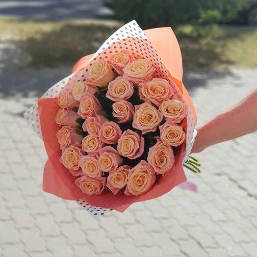 Букет из 25 роз МиссПигги: букеты цветов на заказ Flowwow