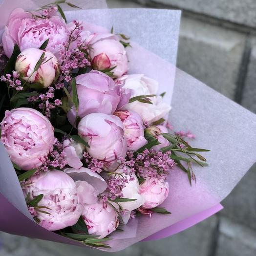 Delicate fragrance of tenderness (19 peonies)
