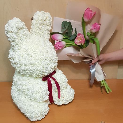 Зайка+тюльпаны: букеты цветов на заказ Flowwow