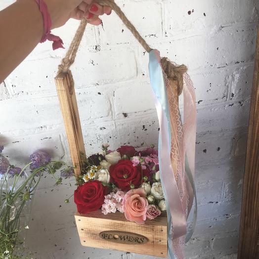 Замечательный ящик: букеты цветов на заказ Flowwow