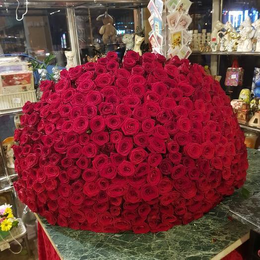 Гигантик из красных ароматных роз ред наоми: букеты цветов на заказ Flowwow