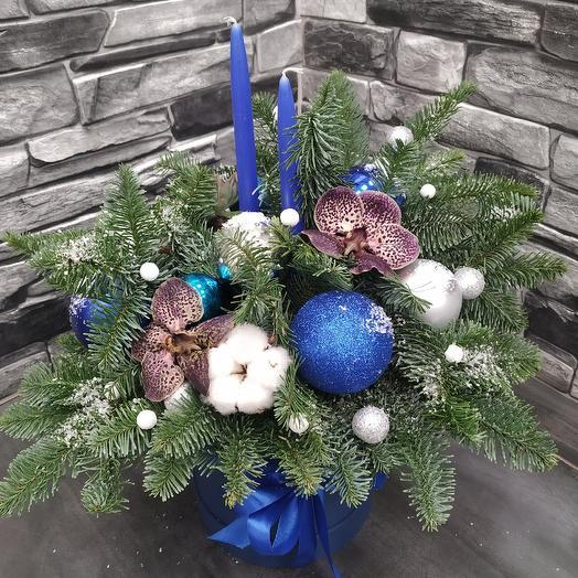 """Шляпная коробка с тигровой орхидеей """"Рождественская ночь"""": букеты цветов на заказ Flowwow"""